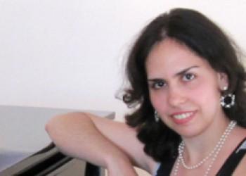 Янчицкая Кристина Олеговна - Преподаватель курсов по фортепиано и вокалу.