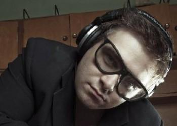 DJ Grushevsky - музыкант, аранжировщик, композитор, диджей, продюсер, радиоведущий.